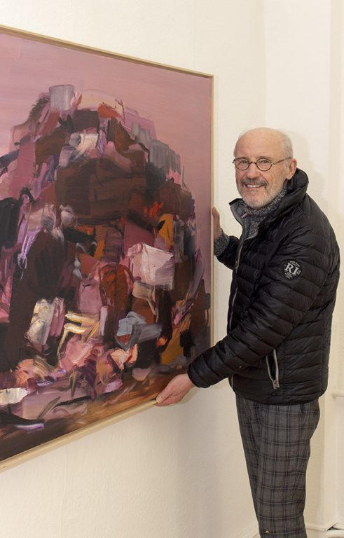 Wolfgang Köppe vor Arbeit von Said Baalbaki