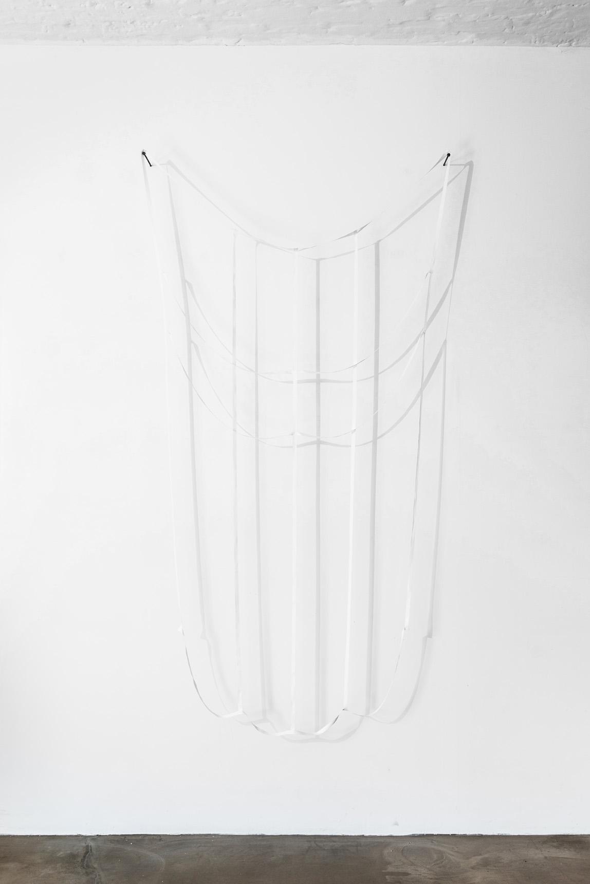 Ulrich Vogl   window to go 3 (white) – 2016, Stoff, Faden, Nägel, 245 x 125 cm